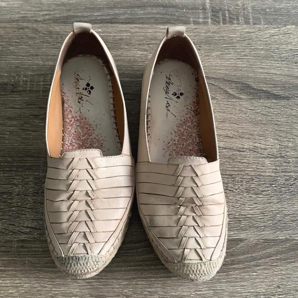 Patricia Nash Ellenora slip on shoes